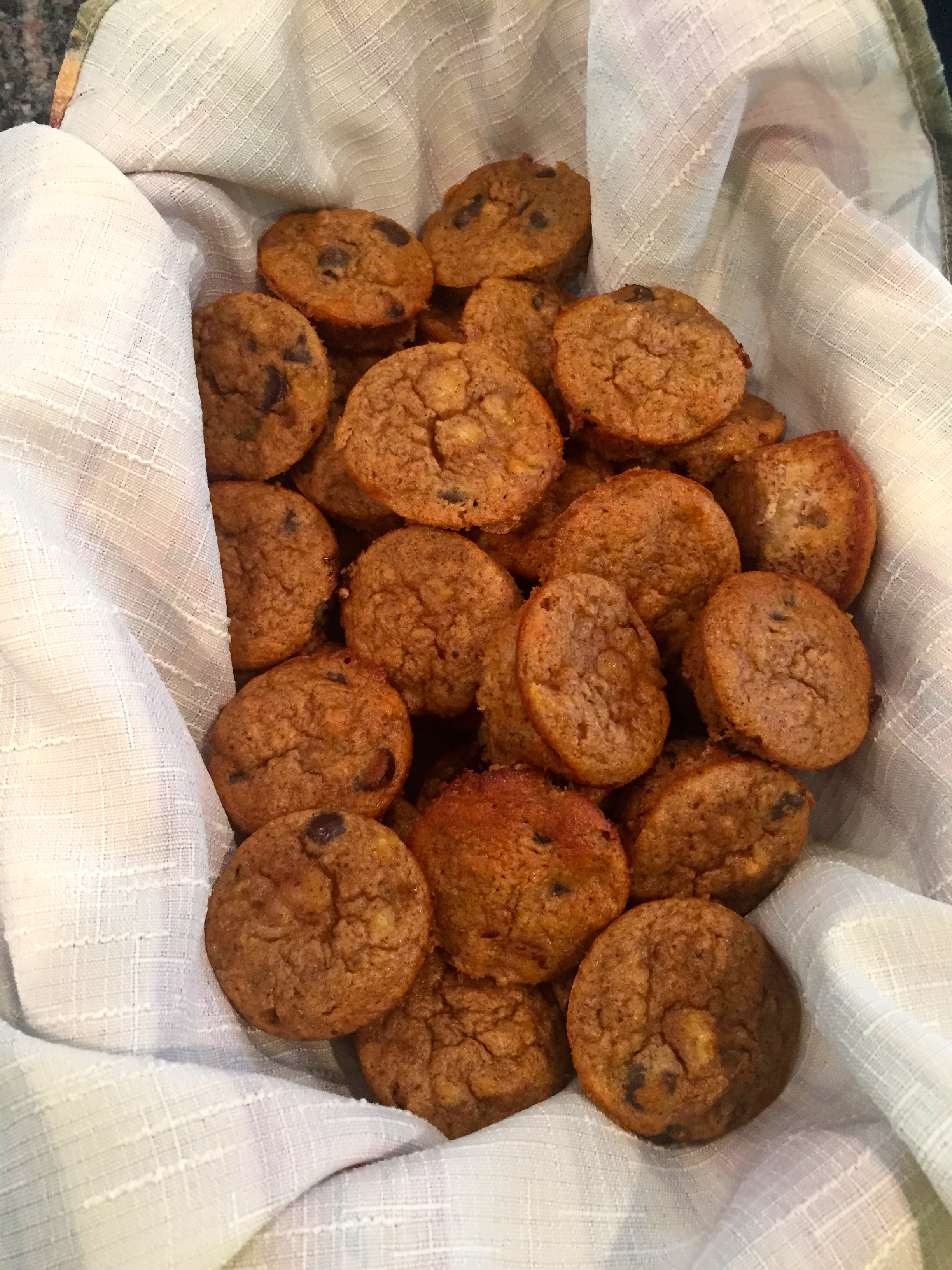 picture of banana muffins